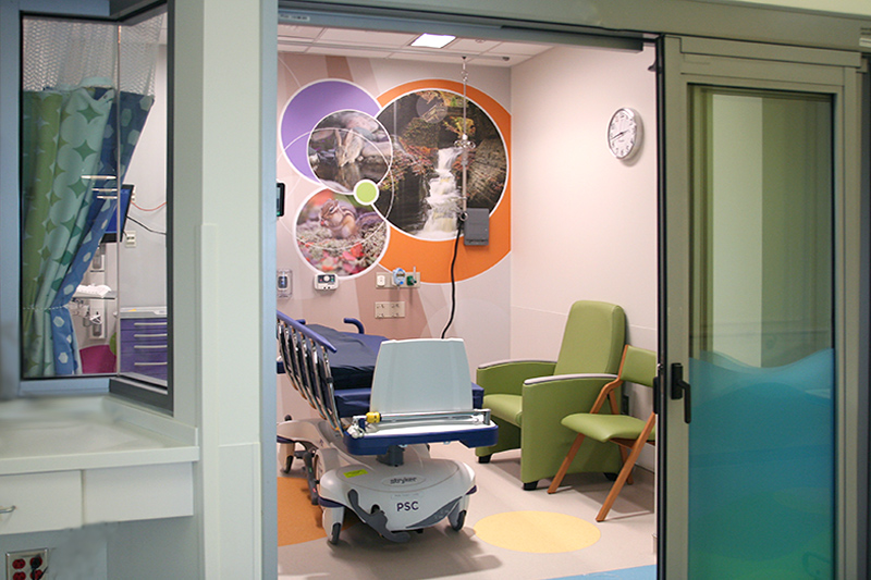 23 private pre-operative and post-operative recovery rooms