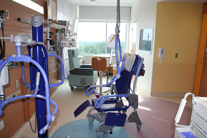 PICU — Patient room and special equipment