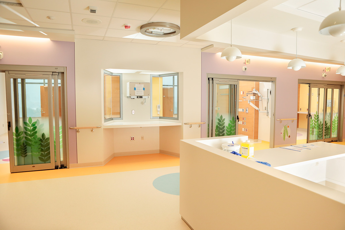 PICU – Nurse's station and patient rooms