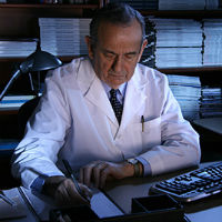 Arthur Moss Receives Pioneer Award from the Heart Rhythm Society