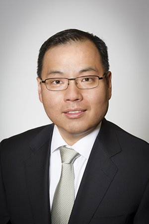 Sam Yi '99M (MD), '04M (Res)